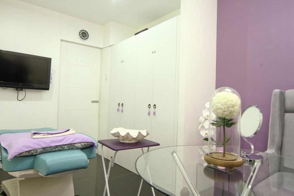 Consultation Room_re
