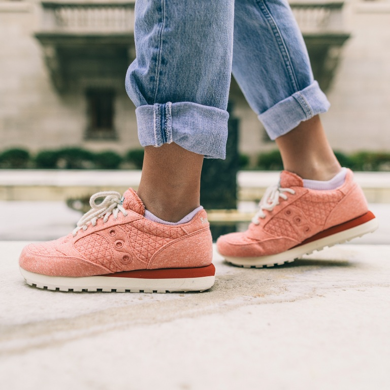 reputable site 0e9de ebb36 Saucony Originals launches Jazz O. Cozy for women ...