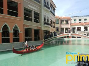 Venice Piazza Grand Canal Mall in Taguig City