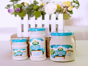 #LetInTheGoodness with Arla Cheesy Spread!