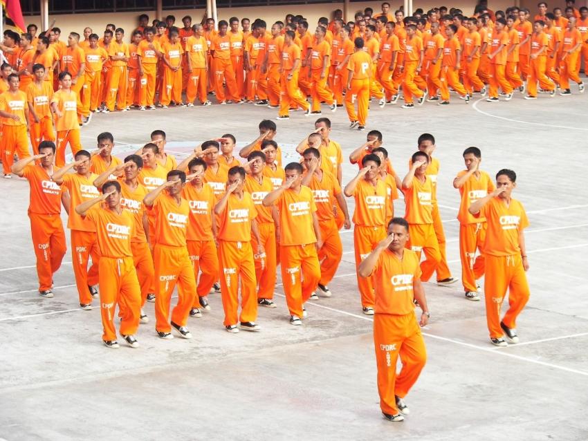 cebu-dancing-inmates