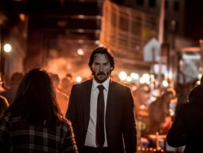 "Keanu Reeves reloads guns and ammo in ""John Wick: Chapter 2"""