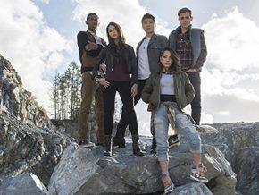 Ordinary teens rise as superheroes in 'Power Rangers' movie