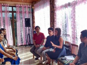 LOOK: Bb. Pilipinas hopefuls get Q and A tips from Pia Wurtzbach