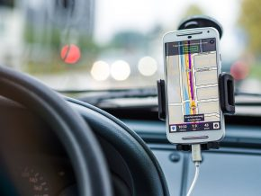 Waze adds Filipino language in voice command feature