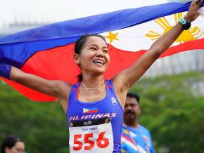 Filipina Marathoner Wins First Gold for PH in SEA Games