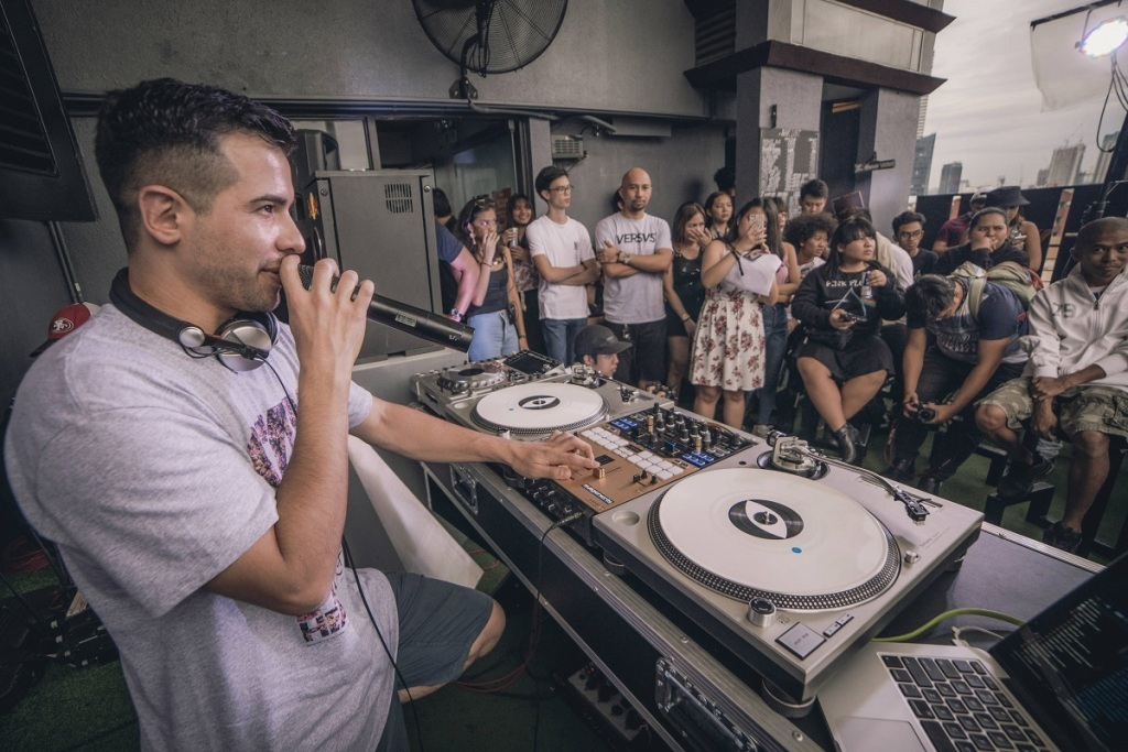 College DJs Enjoy Crash Course in Spinning at Red Bull