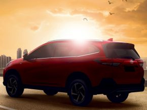 Toyota Rush drives to the Philippines this May