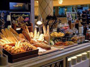 In Okada Manila, Graduates Eat for Free!