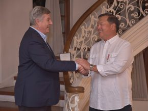 PH Businessman Alex Lichaytoo Receives Order of the Star of Italy