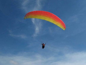 5 PH Destinations Where You Can Experience Paragliding