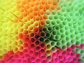 Gov't To Ban Stirrers, Straws Nationwide