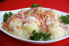 「Steamed Cabbage Stuffed with Seafood Roll