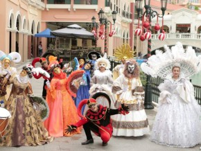 Parata di Natale: An Italian Christmas at the Venice Grand Canal Mall!