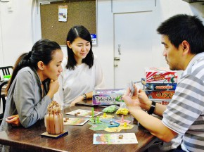 Ludo: BoardGame Bar & Café