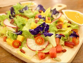 Happy Garden Cafe in Makati: Serving Healthy Grubs in the City