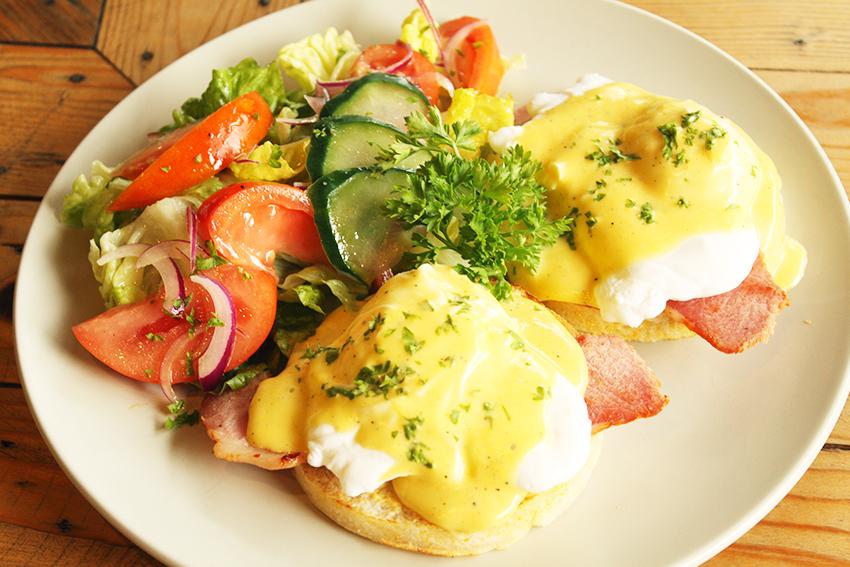 Eggs Benedict-wm