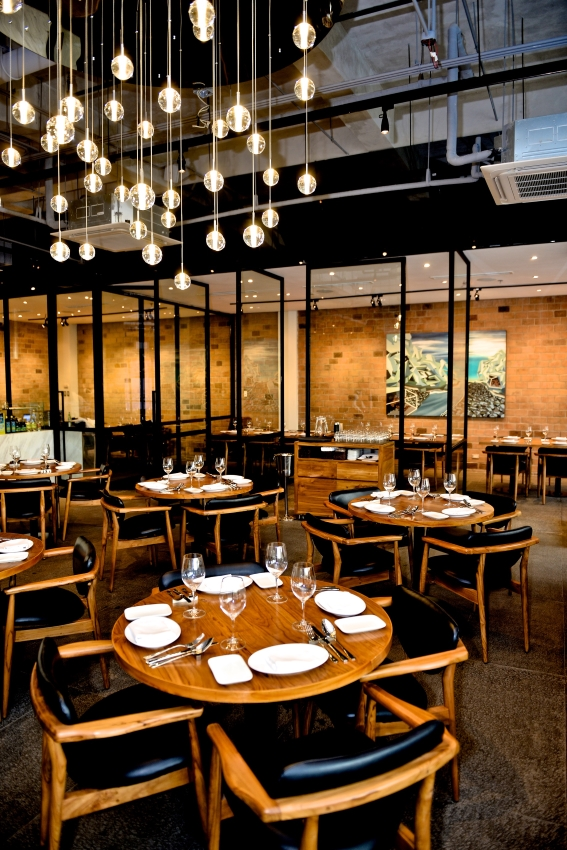 Salvatore cuomo bar is a premium casual dining restaurant in other words expect the best without the stiffness