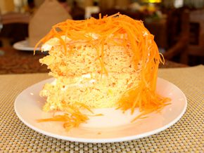 La Preciosa: Home of Ilocos' best carrot cake