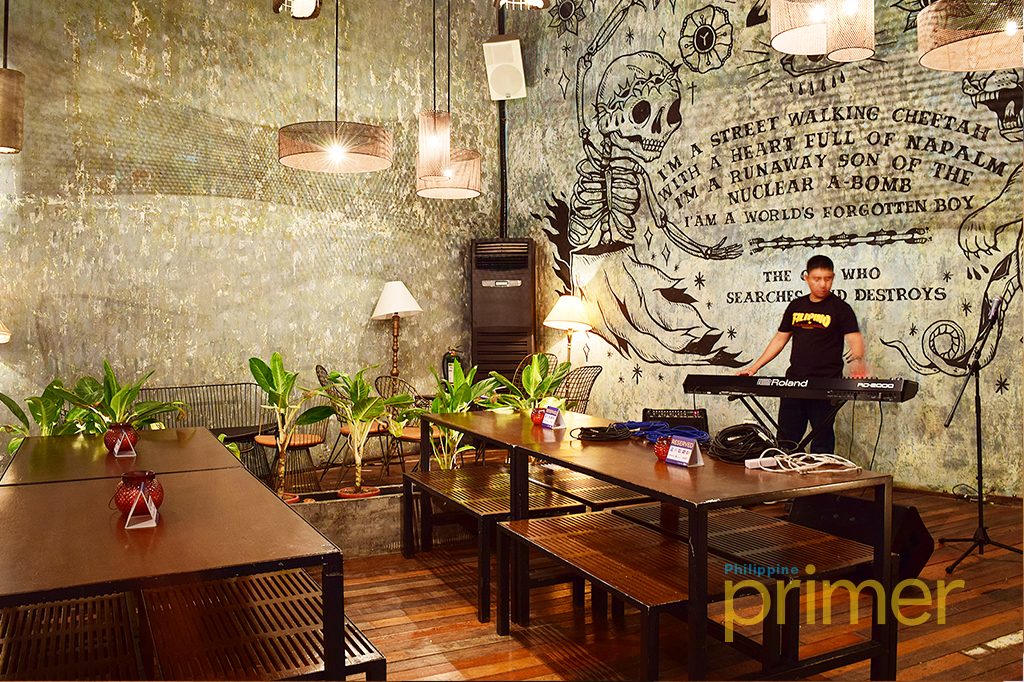 20 20 in makati bar experience like no other philippine for Food bar experience