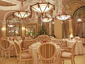 Champagne Room at The Manila Hotel: Dining in Elegance