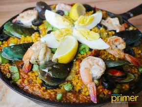 Cafe del Mar in McKinley Hill: Romantic Casual Cafe by the Grand Canal