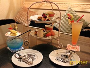 Alice in a Labyrinth Restaurant in Ginza, Tokyo: A Place to Live Your Fairy-Tale Dream