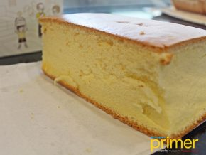 Original Cake Bakes Fresh Cakes with Traditional Recipe from Taiwan
