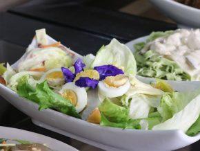 Le Don's Garden Cafe in Silang Serves Appetizing Garden-to-Table Eats