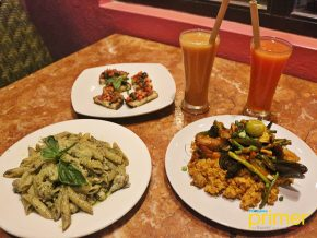 Artcafe in El Nido: Grab a Healthy Meal, Book a Tour, or Buy Souvenirs