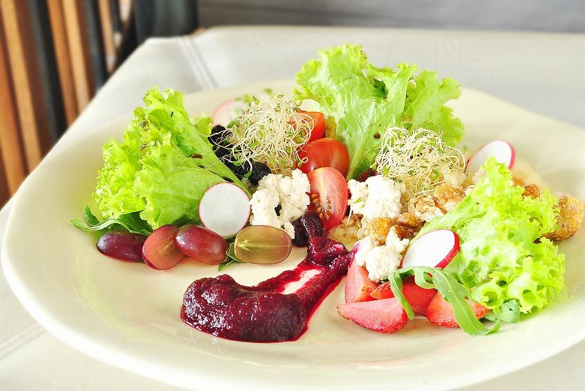 Quinoa Salad with Berries(P195)