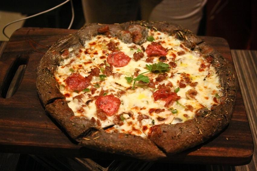 Village Tavern_Black Pizza