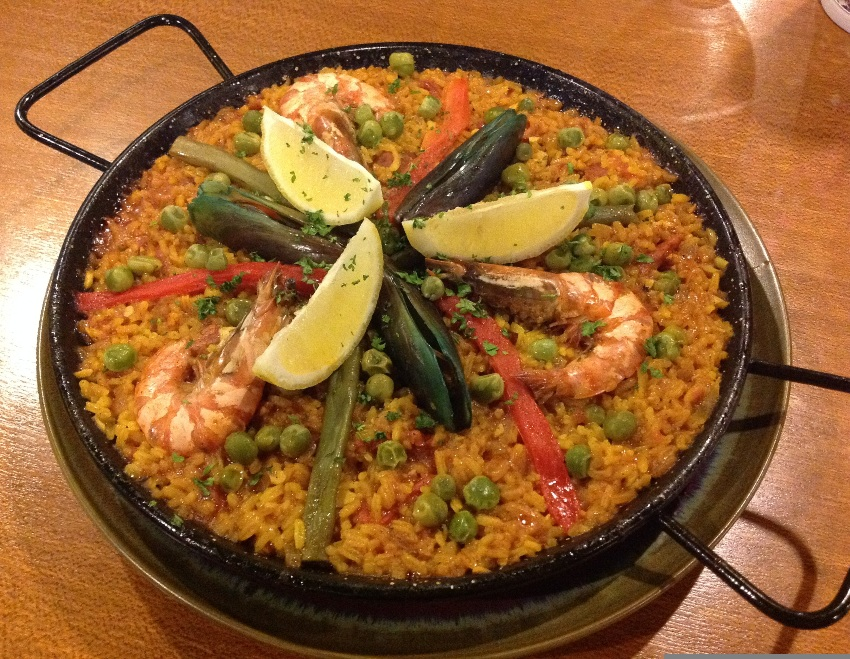 Paella Valenciana (above picture is good for 4-6 servings P920) Pic 4