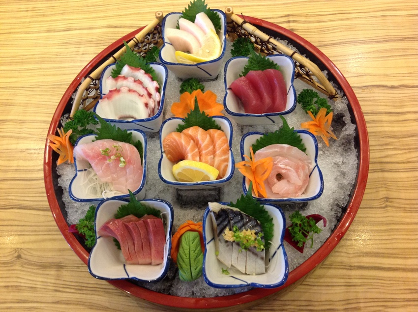 Mixed Sashimi Platter Pic 9