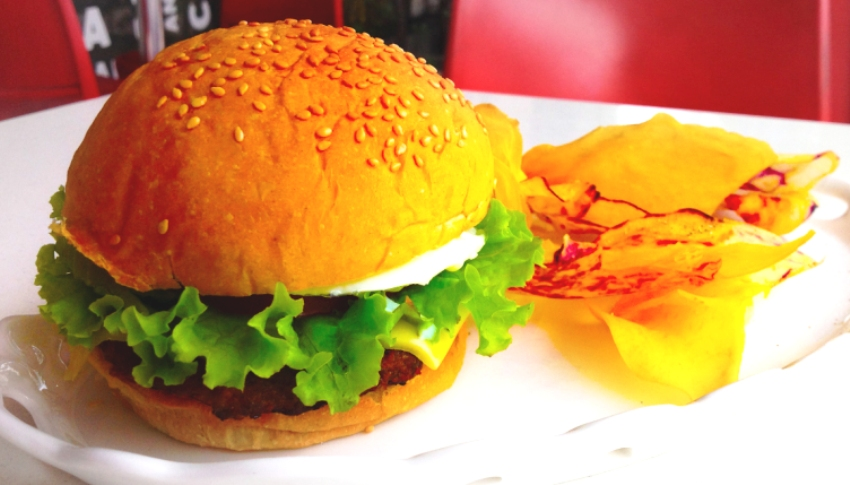 Spicy Chorizo Burger (P 215) Photo 7