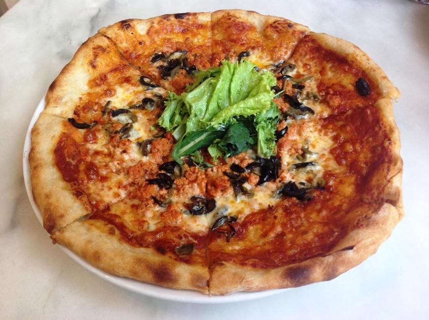 PHOTO 7 House-Made Chorizo, Olives, & Roasted Garlic Confit (P 395)