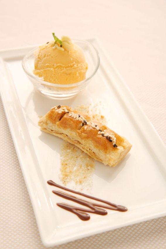Crispy Pancake Filled with Lotus Paste and Hennessy XO Sauce