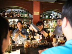 Classic Cocktails 101 by Three Little Pigs in Pasig Turns Casual Drinkers to Crafty Mixers