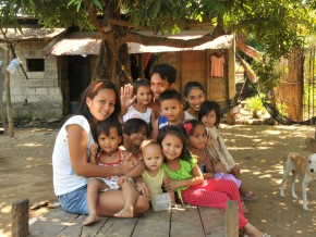 Expats' Guide: Get to know the Filipino Family