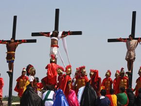 LIST: 4 Holy Week Traditions in PH