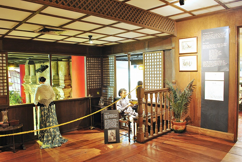 bahay tsinoy Bahay tsinoy: a museum of the chinese in philippine life opened to the public  on february 1 the replica of the terra cotta warrior, a gift from.