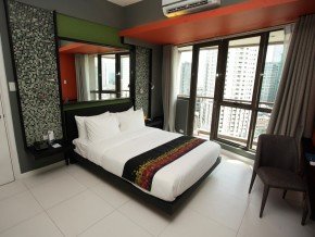 KL Serviced Residences in Legaspi Village: Your Quick Staycation Getaway in the Metro