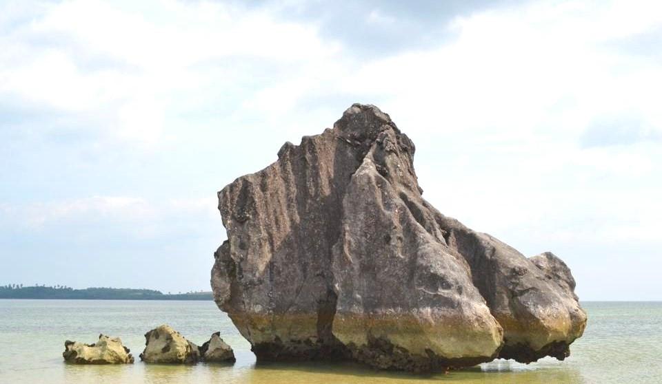 Awe-inspiring rock formation Pic 6