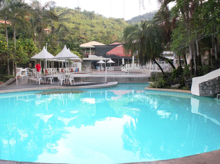 Philippine Food Splash Mountain Resort...