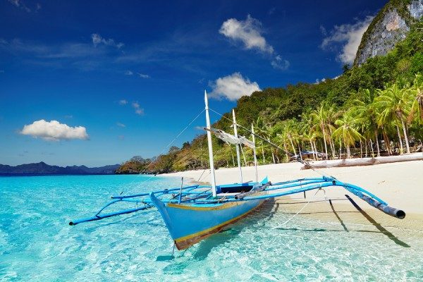 Tropical-Beach-in-El-Nido-Palawan-600x400