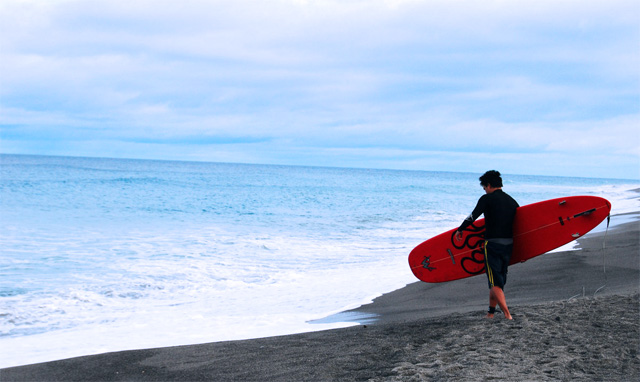 surfing-in-zambales