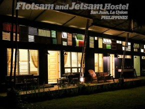 For the art-loving backpackers, discover Flotsam and Jetsam hostel in La Union