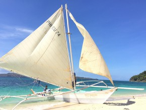 Boracay Activities: An exclusive island hopping tour in Boracay