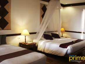 Fridays Boracay: For a Truly Native and Tropical Stay on the Island