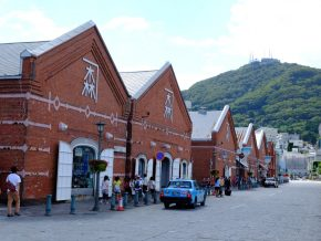 JAPAN TRAVEL: Kanemori Red Brick Warehouse in Hakodate Takes You Back to Ancient Japan